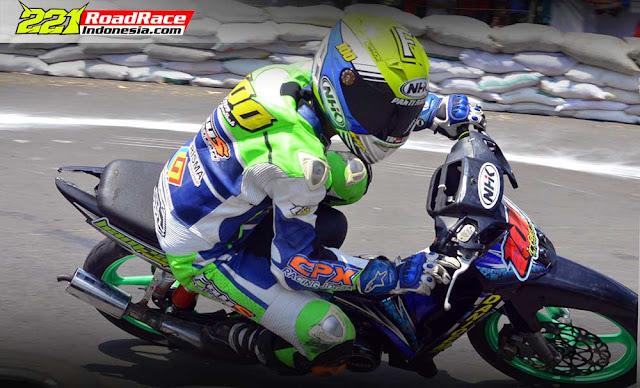 Kelas 2Tak UNDERBONE Road Race Semarang, Jawaranya Malah F1ZR Standard