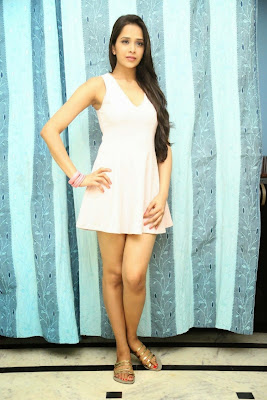 Abha+Singhal+Latest+Stills+(1) Actress Abha Singhal Spicy Photo Gallery in Skirt