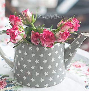 http://www.skanditrend.hu/decoration/porcelan-teaskanna-naomi-beige/