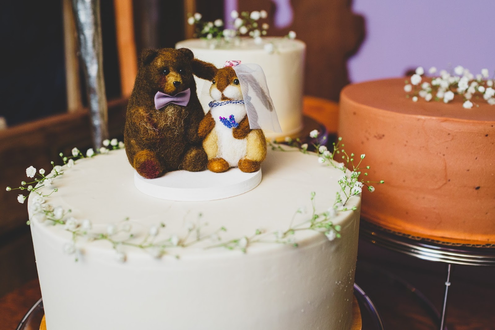 Sweet Maresa's vegan wedding cake | Catskills wedding photography - blog.cassiecastellaw.com