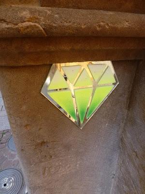 Smaragd - Edelstein in Strassburg - kleine Instalation aus Plastik