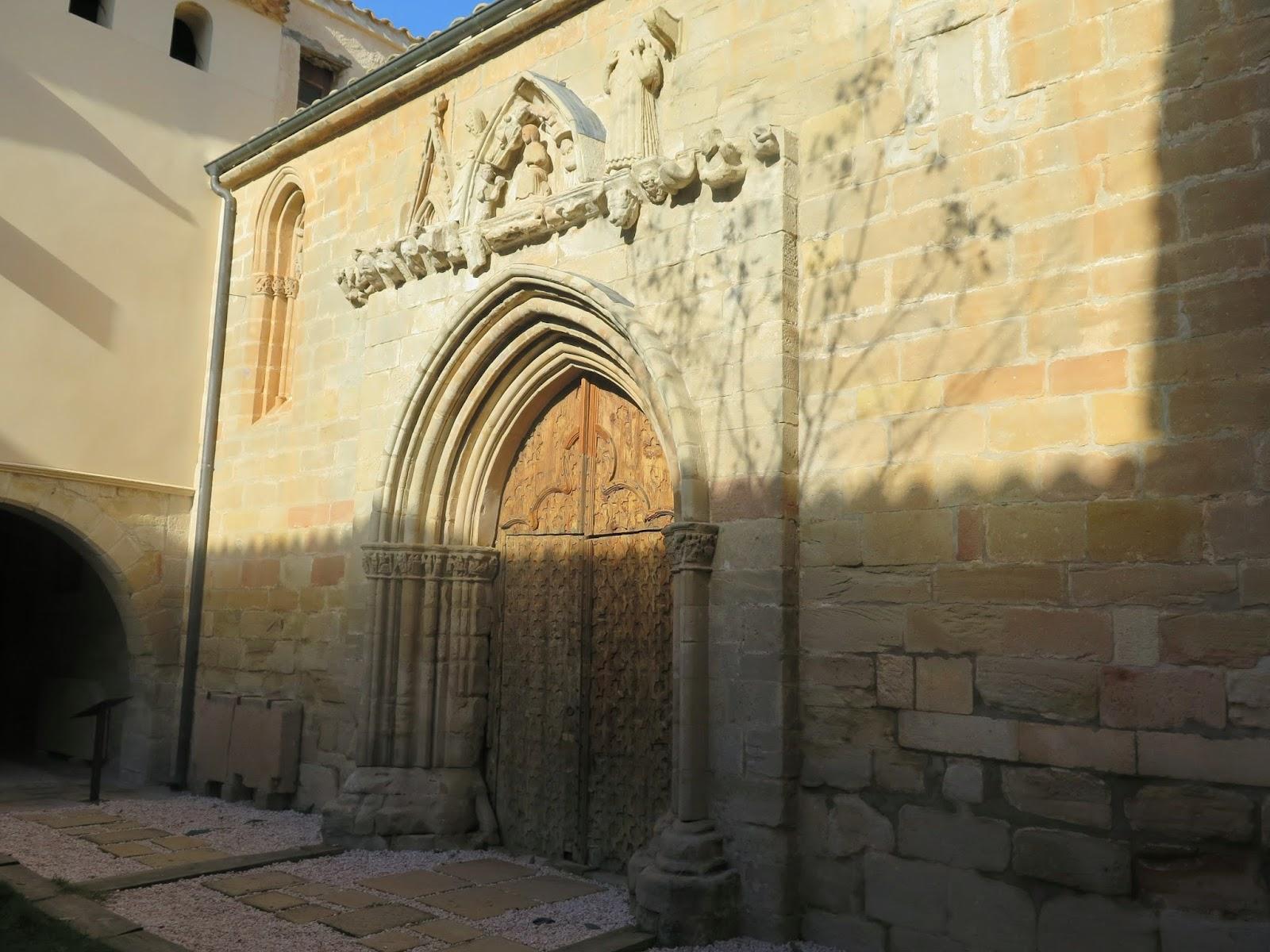 Fachada puerta Ermita Dalt Peñaroya de Tastavins