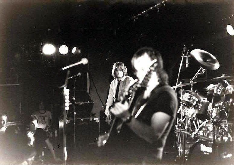Rat Race Choir on stage at Hammerheads 1981