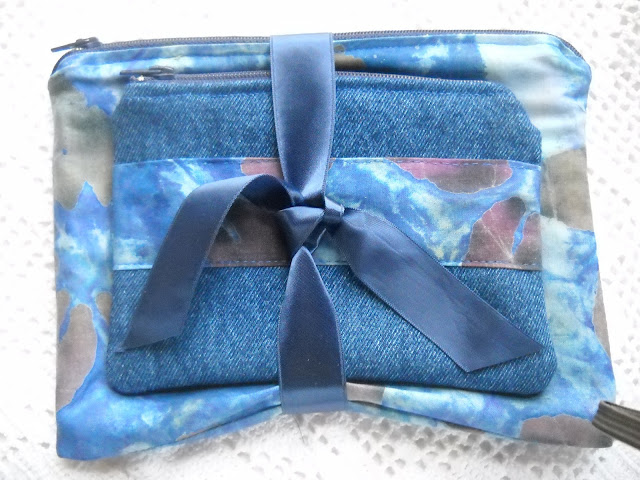 cosmetic case from recycles jeans