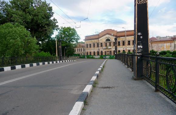 Сумы. Мост через реку Сумку и усадьба Харитоненко