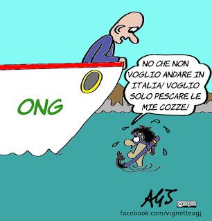 migranti, salvataggi, canale di sicilia, ong, libia, satira, vignetta