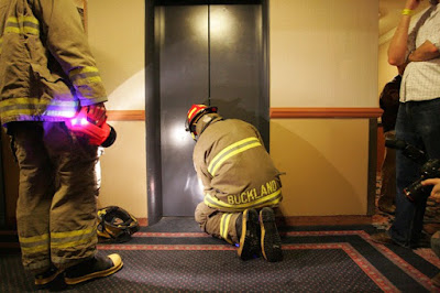 blocat în lift