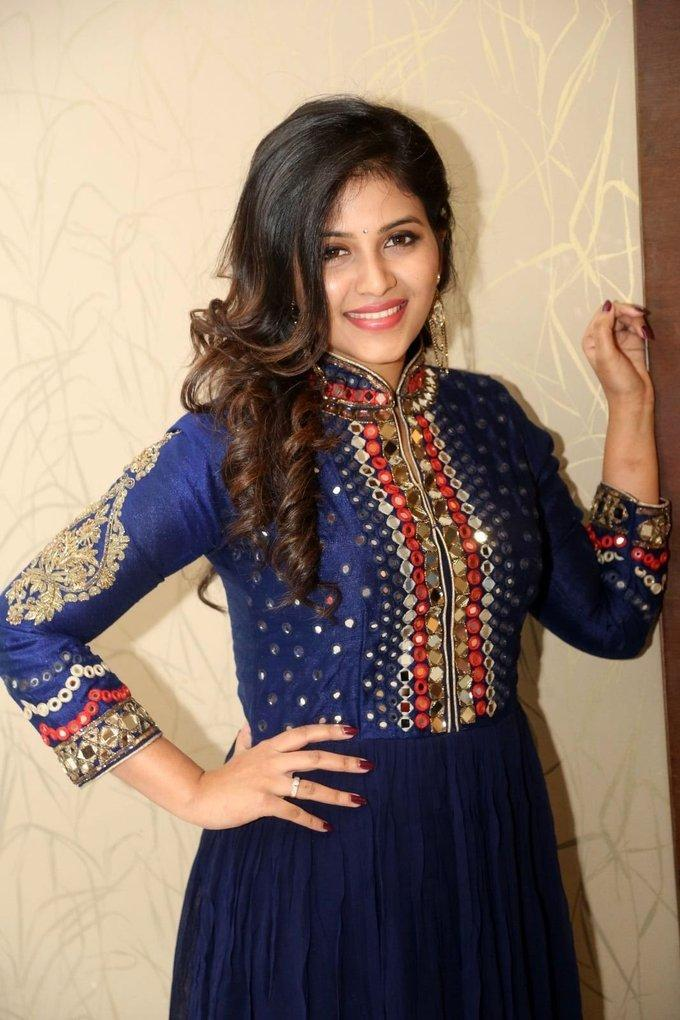 Telugu Actress Anjali Stills At Movie Pre Release Function