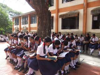 The School Reading Together