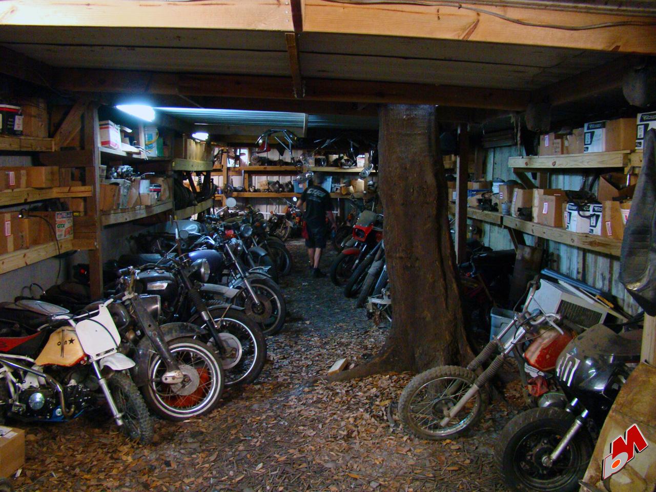 dd motorcycles motorcycle garage. Black Bedroom Furniture Sets. Home Design Ideas