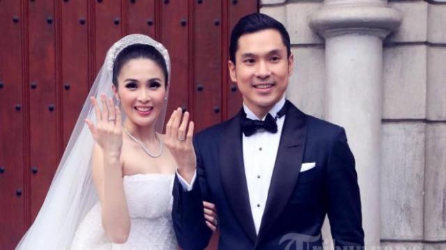 Setelah Kandas di Pelukan Harvey Moeis, Ini 4 Mantan Sandra Dewi yang Jarang Terungkap. . .