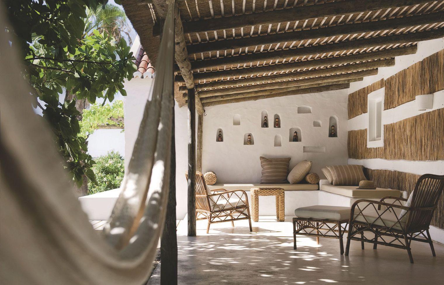 Deco Maison De Charme home interior: fisherman's cabins on the beach