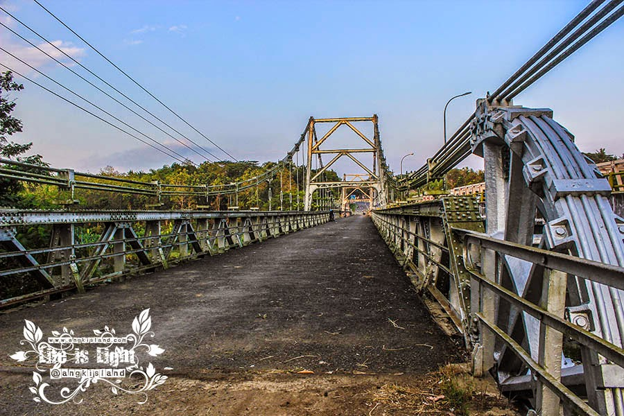 jembatan besi kulonprogo