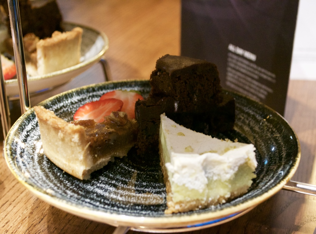 Karbon Grill Hilton American Sharing Tower Key Lime Pie Review - Aspiring Londoner