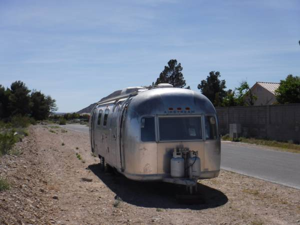 used rvs 1972 airstream sovereign vintage trailer for sale by owner. Black Bedroom Furniture Sets. Home Design Ideas