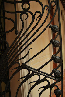 Detalle de forja de una puerta de la casa modernista de Novelda