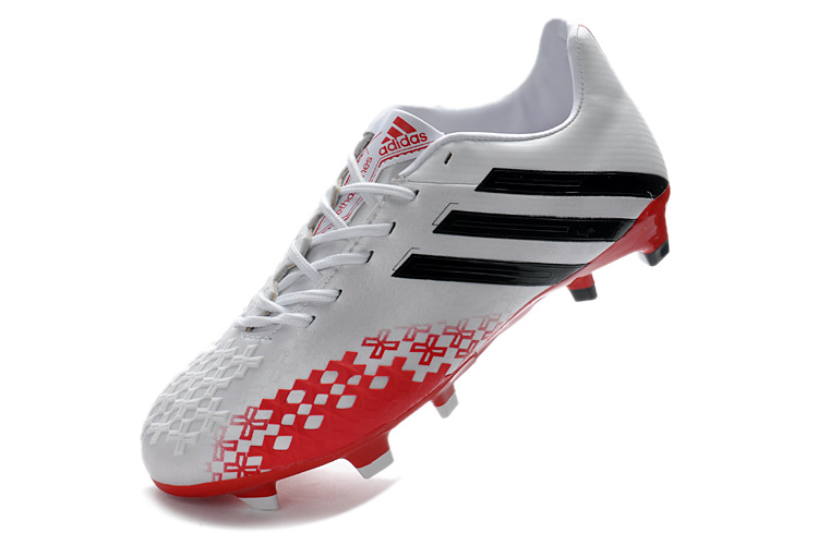 free shipping d5da3 fb7eb Being delivered with light sockliner the Predator LZ II Adidas Predator LZ  II(2) TRX FG White Red Superlight Boot weighs just 199 gramms and will be  ...