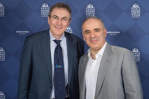 Le champion d'échecs Garry Kasparov avec Philippe Dornbusch
