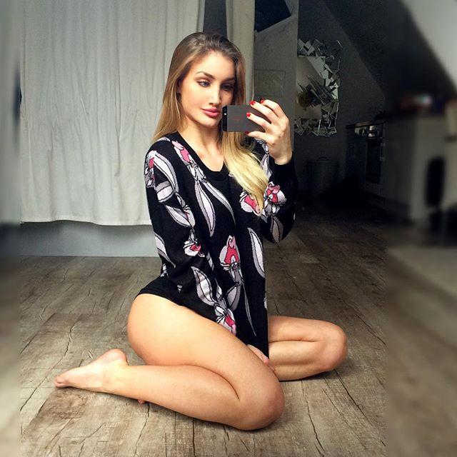 Beautiful Fitness Model JULIA BÄSSLER Instagram photos