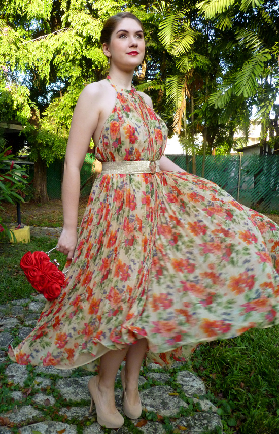 Click through to see other ways to wear this pretty floral dress!