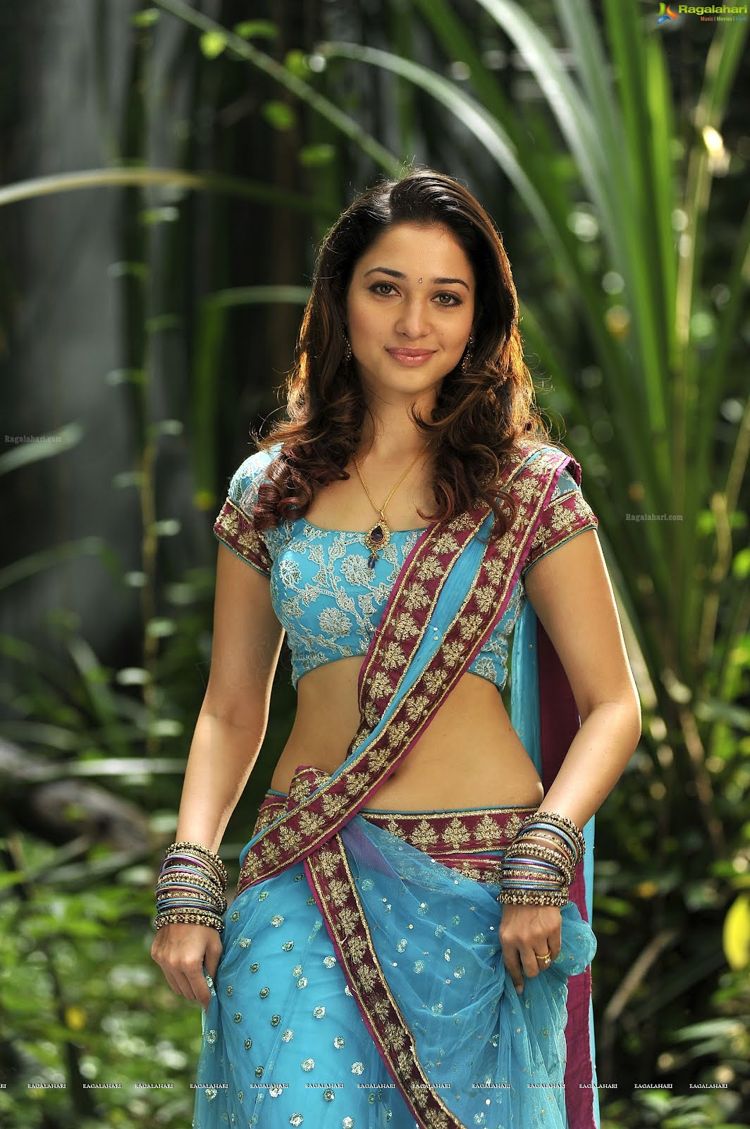 Tamanna Blue Saree: Desi Shotz: Tamanna Hot Navel Show In Blue Saree