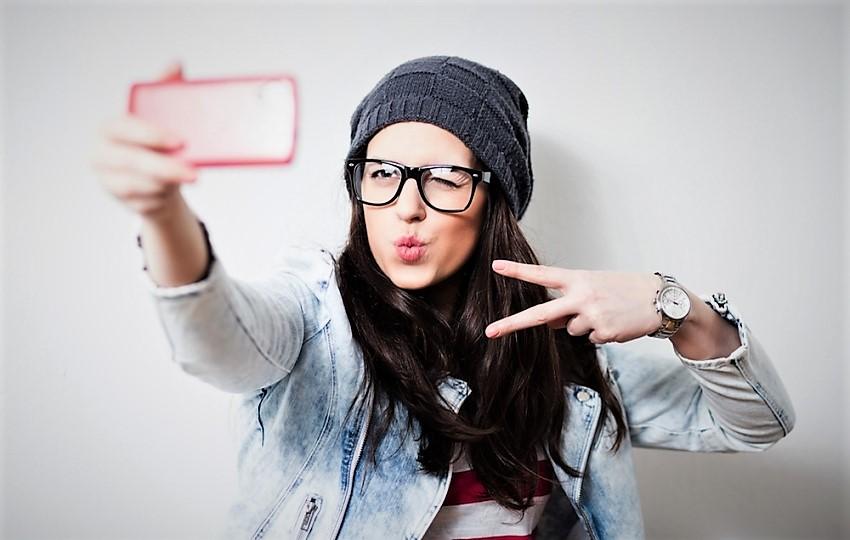 Selfie çılgınlığı estetiğe olan ilgiyi artırdı!