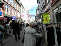 Calle de Strøget Copenhague, dinamarca, Strøget street, Copenhagen, Denmark, Rue Strøget, Copenhague, Danemark, Strøget street, København, Danmark, vuelta al mundo, round the world, La vuelta al mundo de Asun y Ricardo