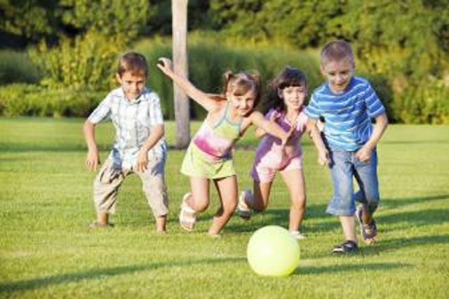 TRABALHANDO COM BRINCADEIRAS NA EDUCAÇÃO INFANTIL