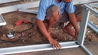Menyambung sudut aluminium