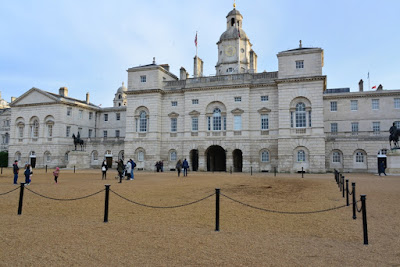THE-HOUSE-OF-GUARDS-LONDRA