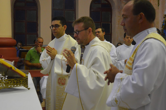FESTA DE REIS: Parte Religiosa foi iniciada nesta quarta-feira(09).