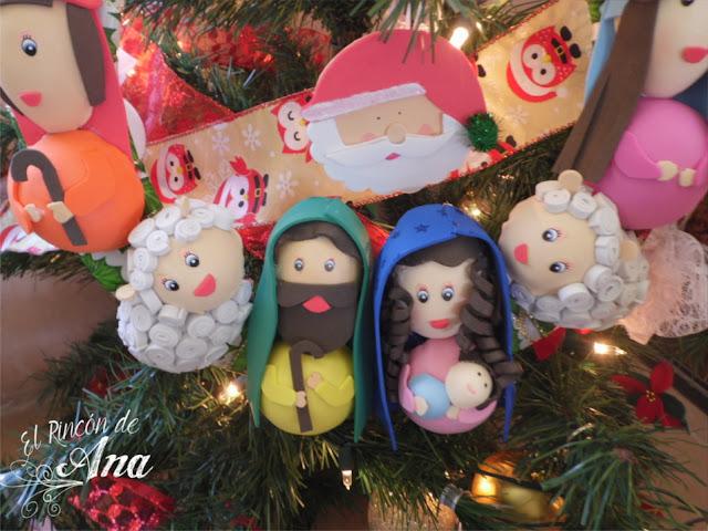 Corona navideña y Hot cakes de chocolate y vainilla