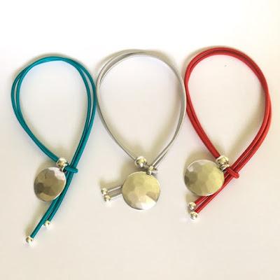 Collier céramique cordon élastique