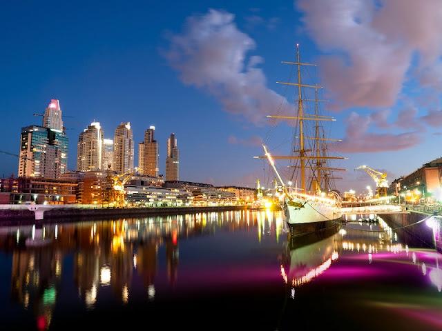 Passear por Puerto Madero em Buenos Aires no mês de novembro