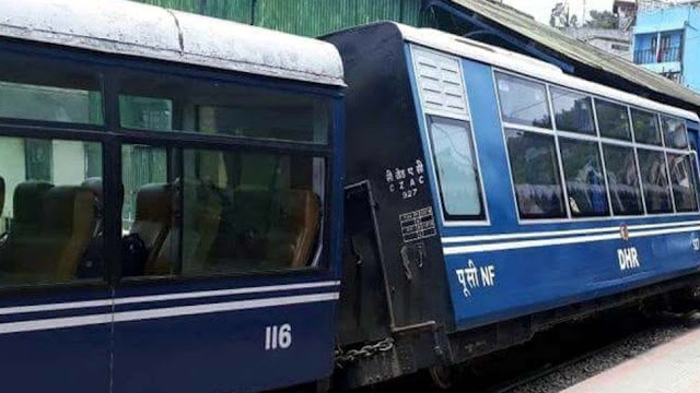 Darjeeling Toy Train derailed at kurseong railway station