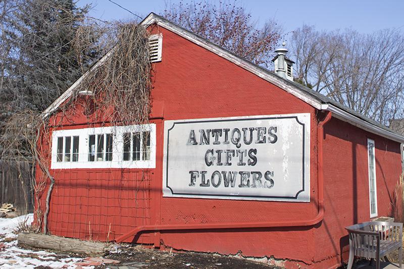 Chickies Farmhouse Antiques Edmonton
