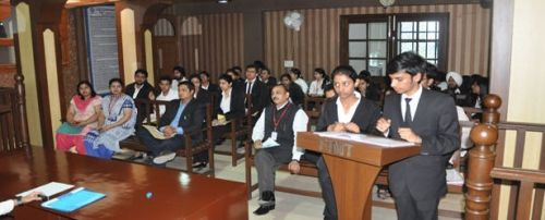 Studying in The Best Law Colleges in Delhi
