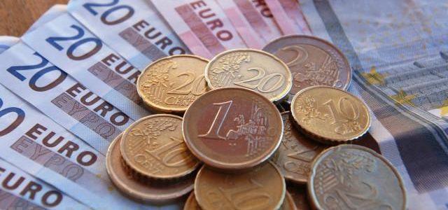 هبوط كبير في أسعار اليورو وسعر اليورو اليوم الإثنين 5-3-2018
