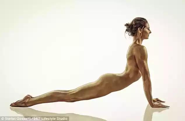 naked women pole vaulting