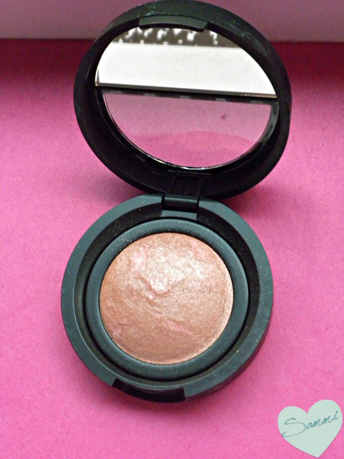 LAURA GELLER Blush 'n Brighten in Pink Grapefruit