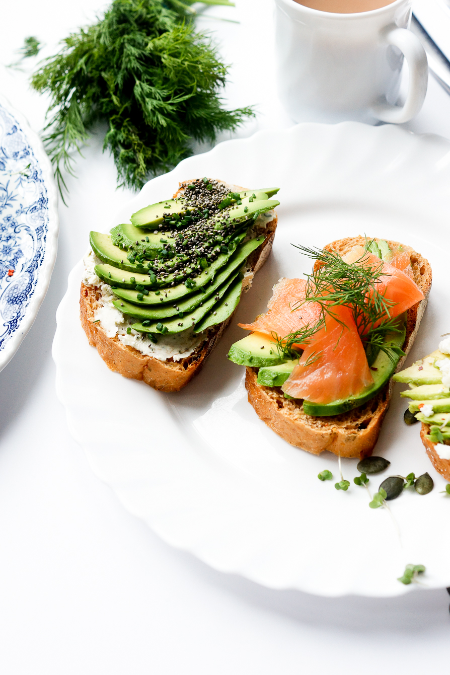 food-photography-avocado-toast-topping-recipe-ideas-lifestyle-blog