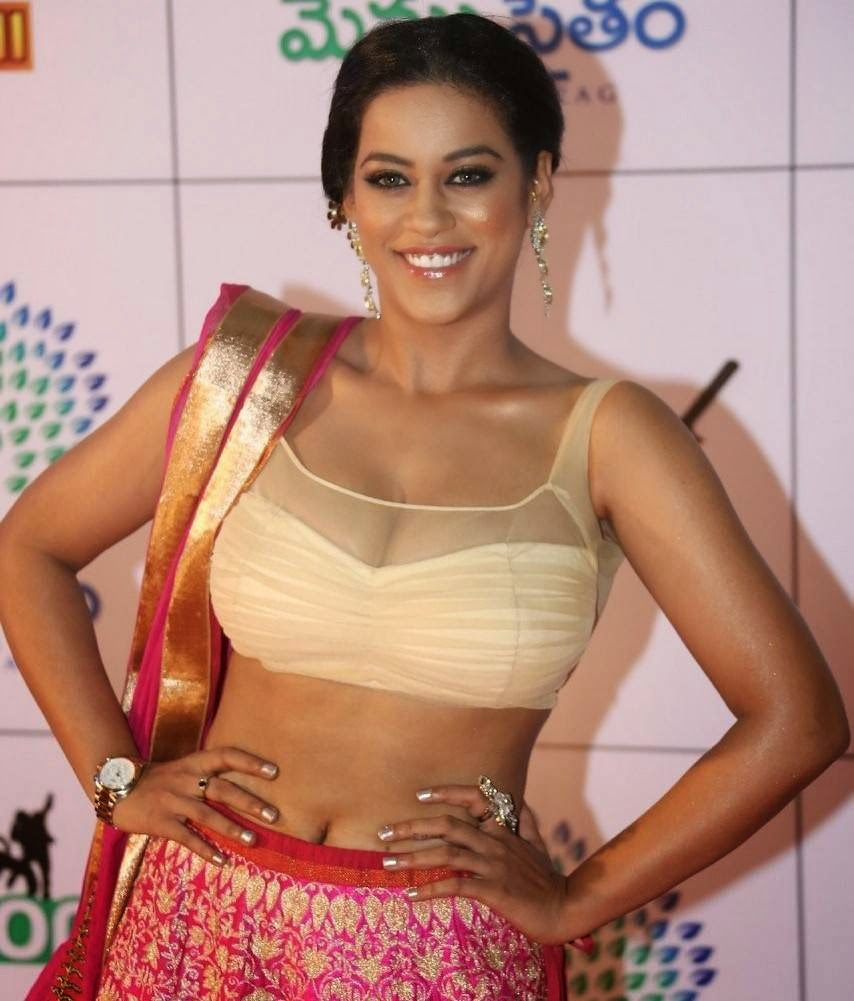 Telugu Actress Mumaith Khan, Mumaith Khan Slim Pics in Seyxy Lehenga Choli