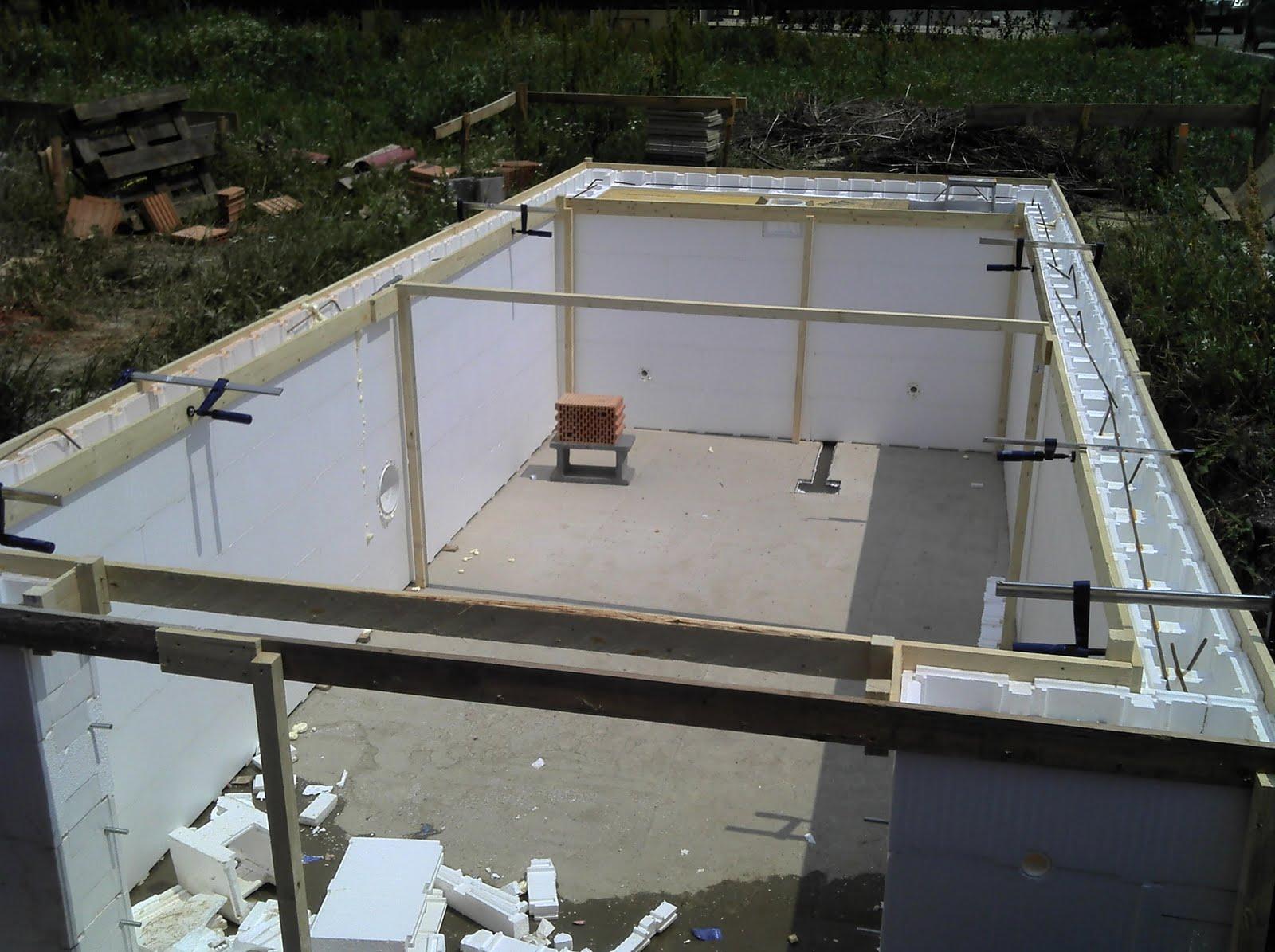 hausbau das tor zur h lle der pool kann betoniert werden 14 6. Black Bedroom Furniture Sets. Home Design Ideas