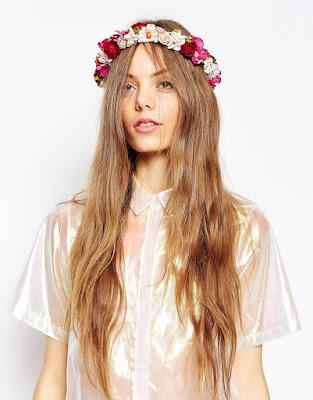 Guirnalda para el pelo con diseño de flores vintage de ASOS Wedding