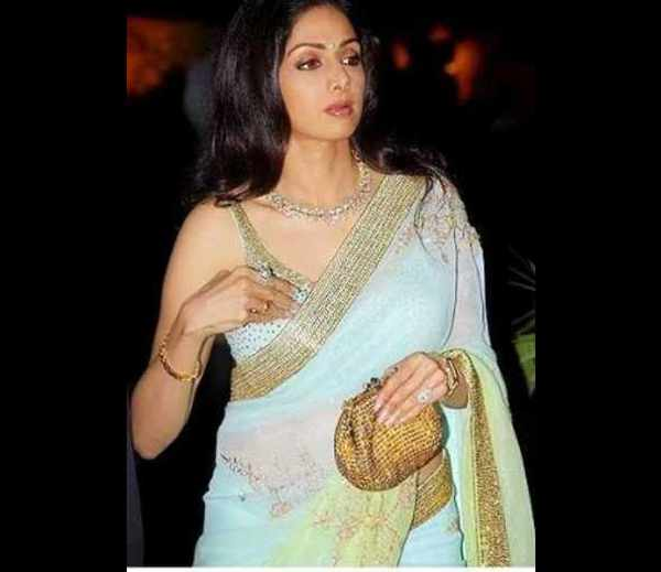 oops moment in Bollywood - Bollywood actress oops moment ...