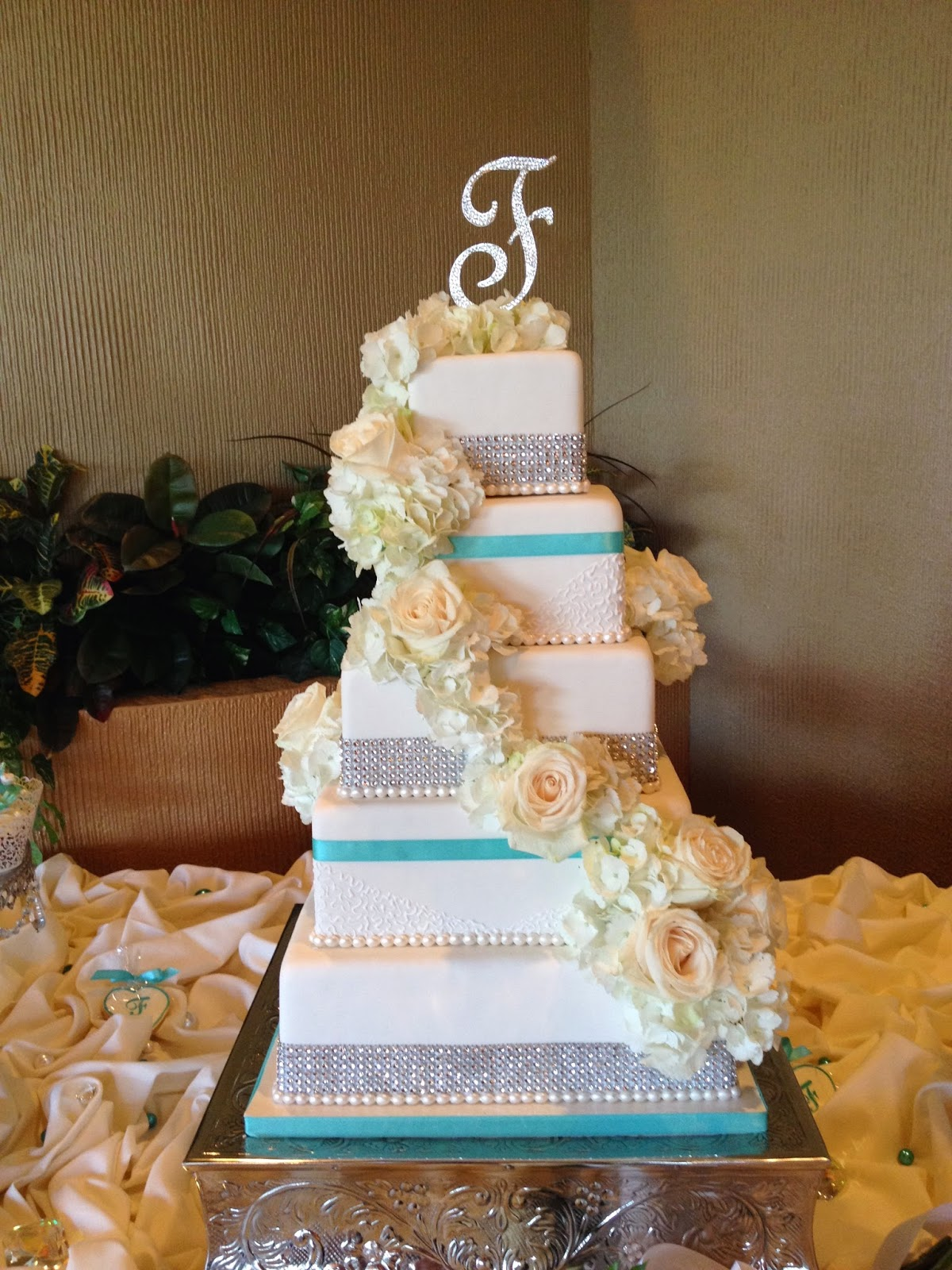 Sugar Chef  TIFFANY BLUE   BLING WEDDING CAKE TIFFANY BLUE   BLING WEDDING CAKE