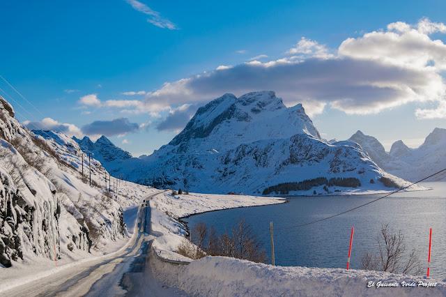 Carreteras en Lofoten, por El Guisante Verde Project