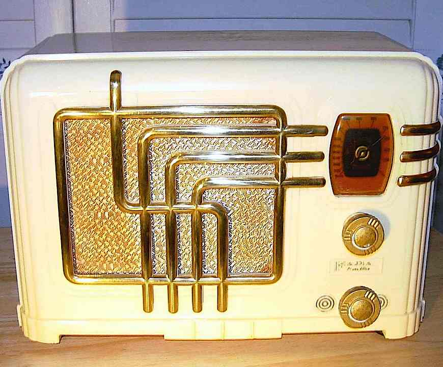 a 1936 Fada radio, color photograph