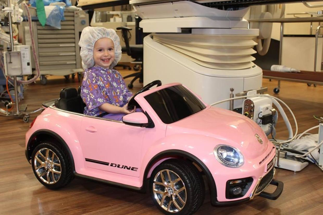 Hospital Gives Children Mini Cars To Drive Into Surgery To Reduce Their Worry