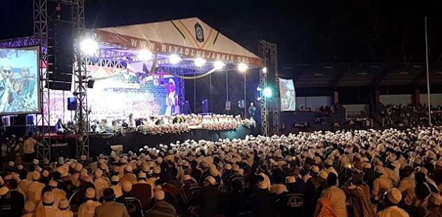Puluhan Ribu Umat Muslim Gelar Salawat #2019TetapBersaudara